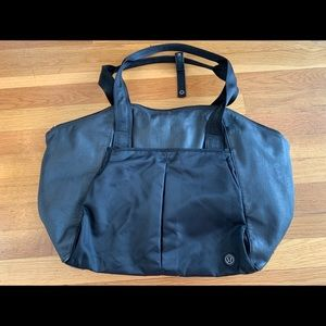Lululemon black gym bag